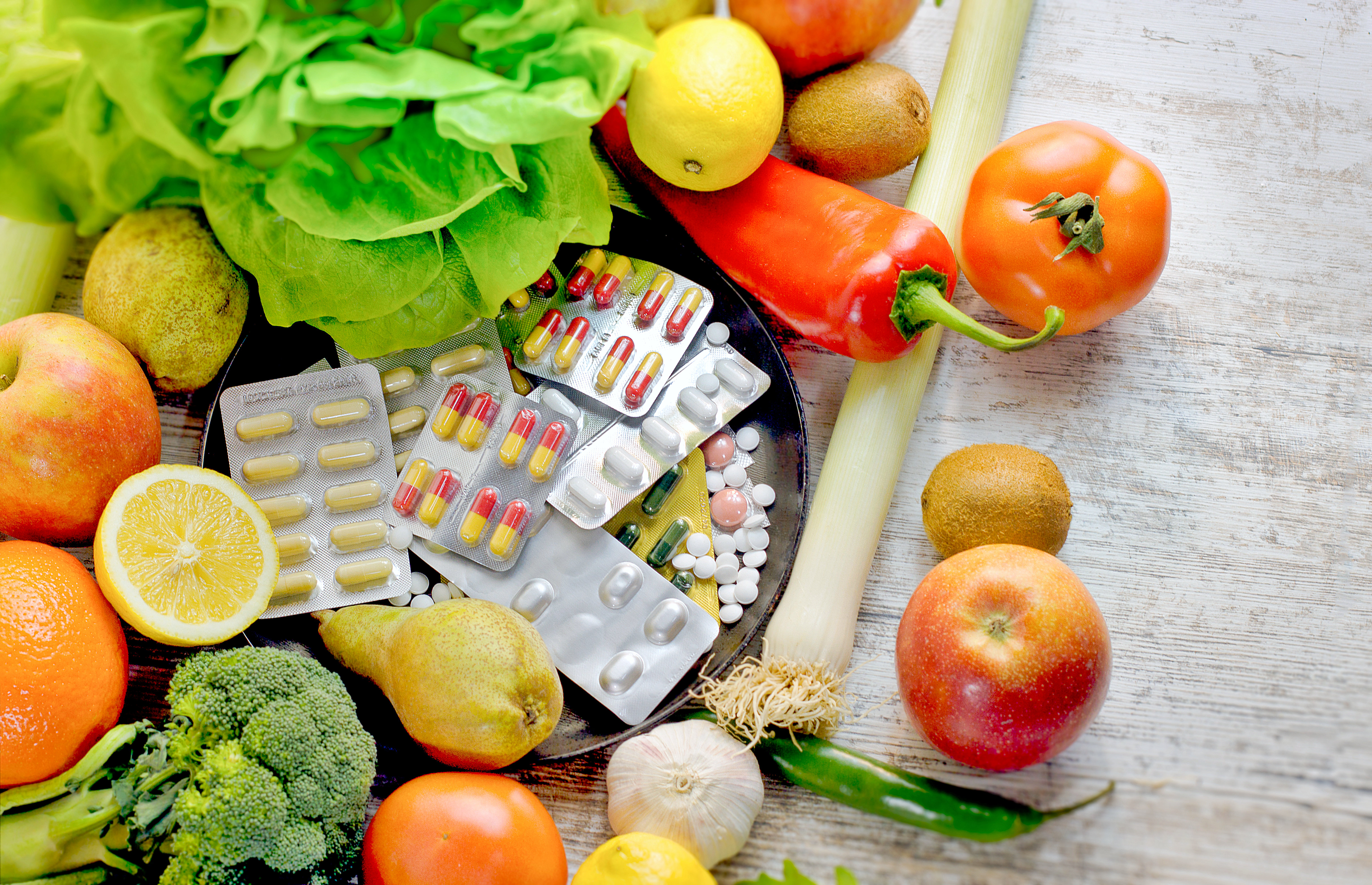 eating organic fruit and vegetable and nutrition supplement in proper diet